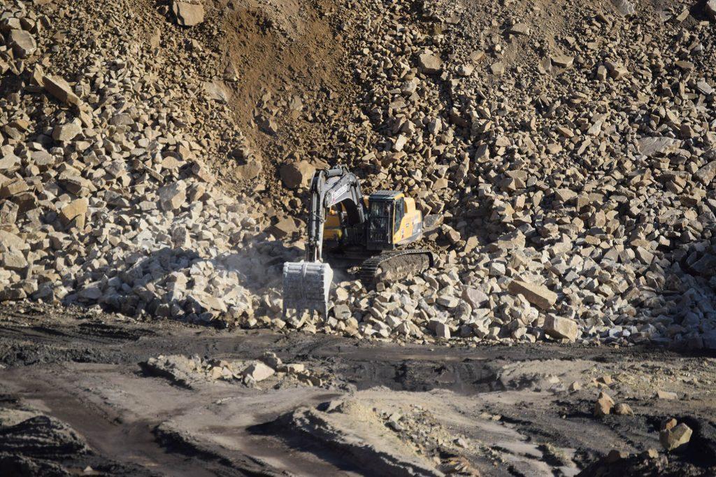 excavator at Montcliffe Quarry