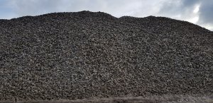 Mound of aggregates for armstrongs