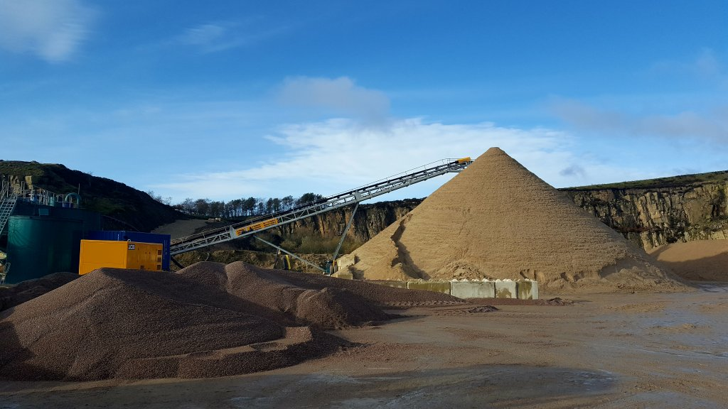 Processing aggregates at Montcliffe Quarry